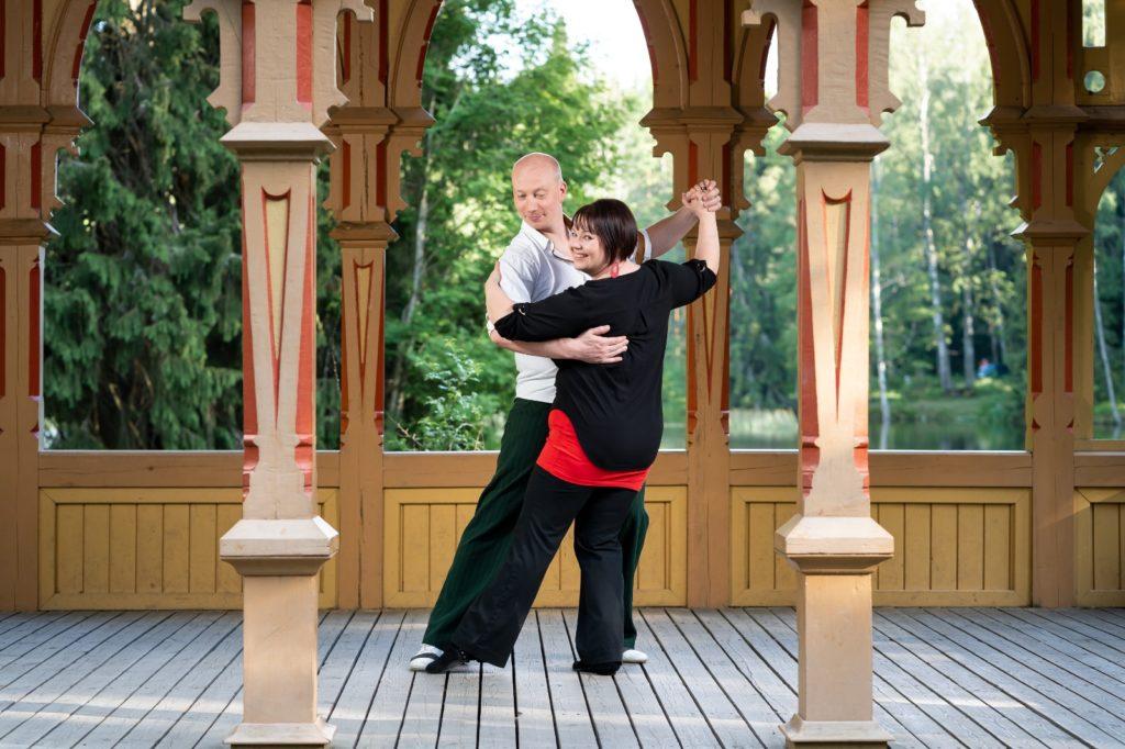 Tanssipari Hanna & Antti tanssii